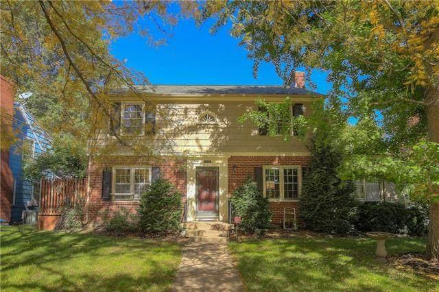 1200 W 76th Street, Kansas City, MO 64114 (#2246525) :: Dani Beyer Real Estate