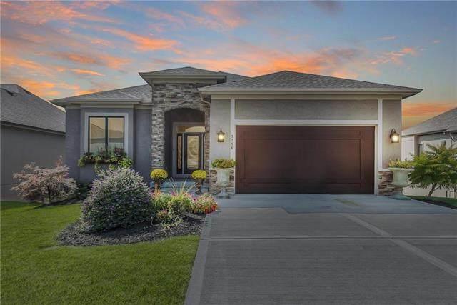 9796 Hollis Lane, Lenexa, KS 66227 (#2246626) :: Dani Beyer Real Estate