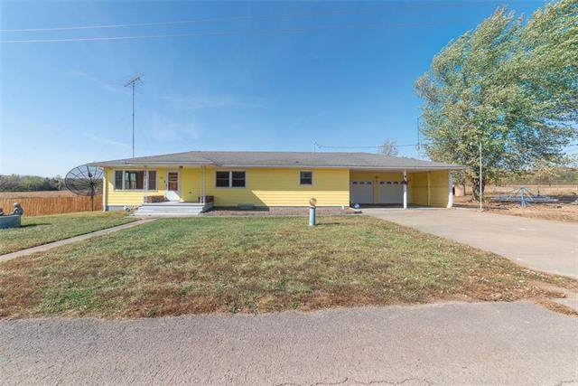 1401 S Maple Street, Garnett, KS 66032 (#2246650) :: Dani Beyer Real Estate