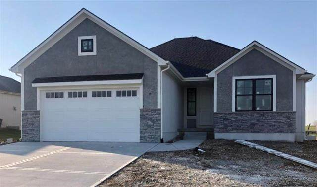 1201 S 12th Terrace, Louisburg, KS 66053 (#2246727) :: The Gunselman Team