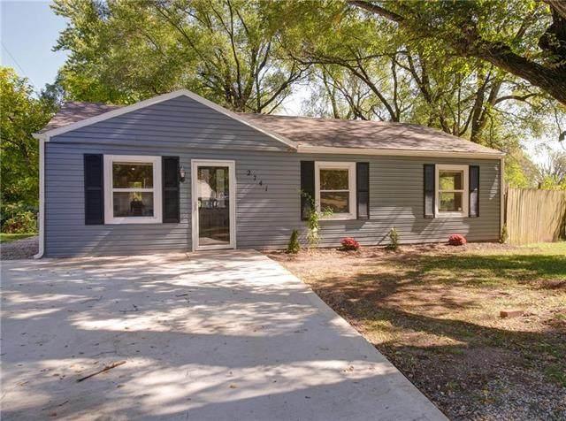 2741 S 49th Street, Kansas City, KS 66106 (#2246807) :: Five-Star Homes