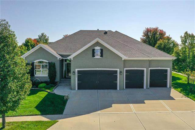 17233 Haskins Street, Overland Park, KS 66221 (#2246859) :: House of Couse Group