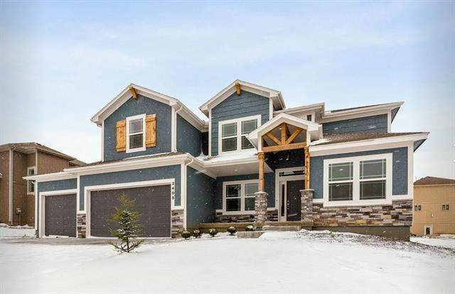 3122 SW Blue Ribbon Street, Lee's Summit, MO 64082 (#2246873) :: House of Couse Group