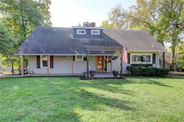 208 N Oak Street, Paola, KS 66071 (#2246910) :: The Kedish Group at Keller Williams Realty