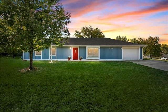 824 S 135 Street, Bonner Springs, KS 66012 (#2246991) :: Ron Henderson & Associates