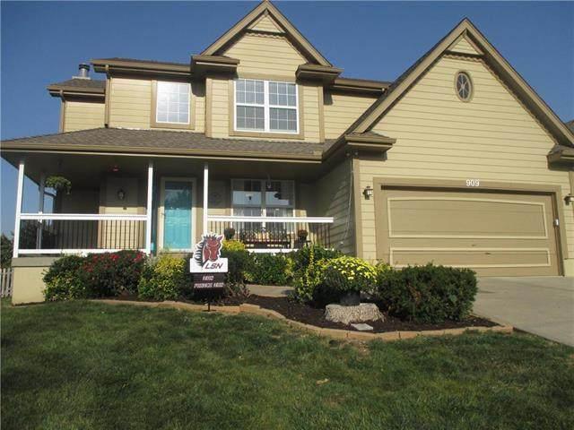 909 NE Colleen Drive, Lee's Summit, MO 64086 (#2247038) :: Dani Beyer Real Estate