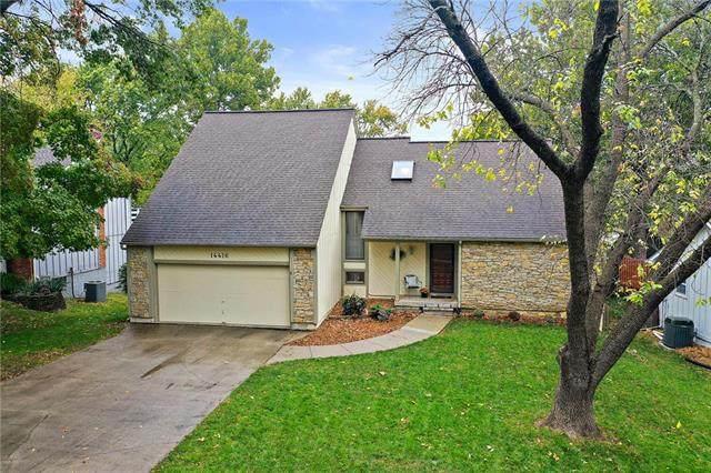 14416 W 90th Terrace, Lenexa, KS 66215 (#2247113) :: House of Couse Group