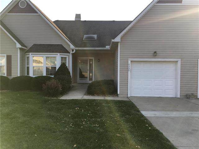 4320 S Milton Drive, Independence, MO 64055 (#2247150) :: Edie Waters Network