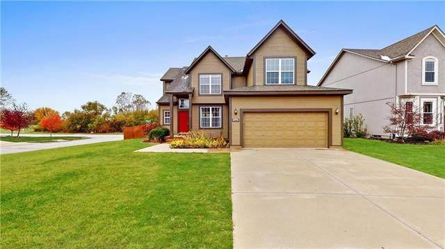 15462 S Hillside Street, Olathe, KS 66062 (#2247172) :: Eric Craig Real Estate Team