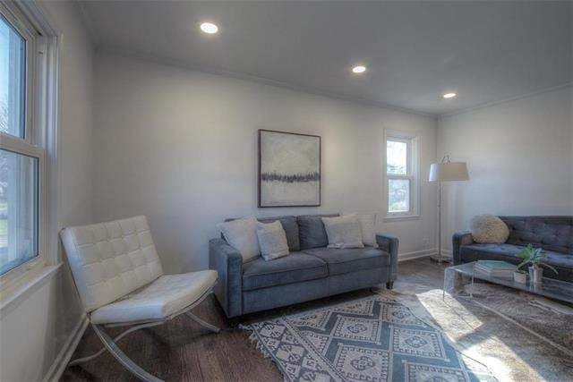 9709 Brooklane Street, Raytown, MO 64133 (#2247219) :: House of Couse Group