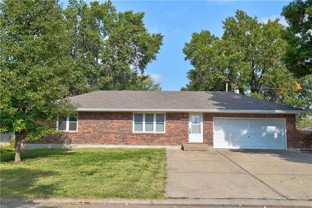 100 E Kirk Street, Harrisonville, MO 64701 (#2247240) :: Ron Henderson & Associates