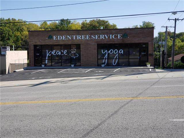 4003 N Oak Trafficway, Kansas City, MO 64116 (#2247304) :: Ron Henderson & Associates