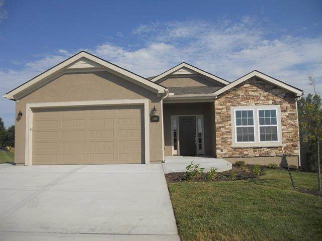 2114 Greenfield Point, Kearney, MO 64060 (#2247573) :: Dani Beyer Real Estate