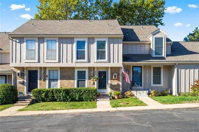12129 W 82nd Terrace, Lenexa, KS 66215 (#2247577) :: Edie Waters Network