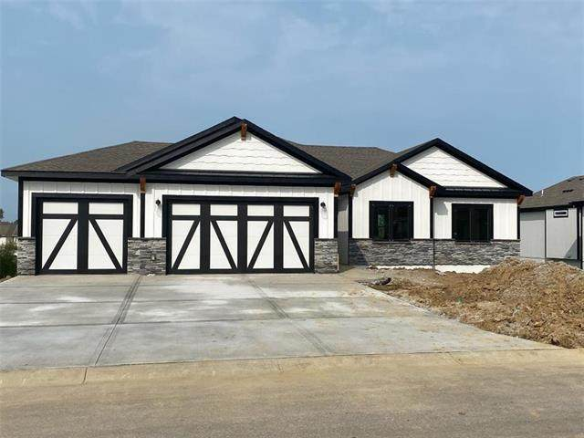 4608 NW 142nd Street, Platte City, MO 64079 (#2247609) :: The Shannon Lyon Group - ReeceNichols