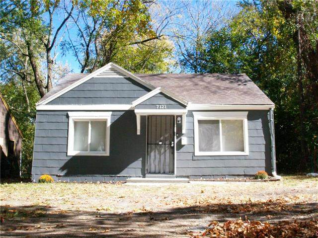 7121 Flora Avenue, Kansas City, MO 64131 (#2247650) :: Ron Henderson & Associates