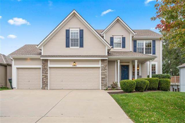10961 S Emerald Street, Olathe, KS 66061 (#2247653) :: Dani Beyer Real Estate