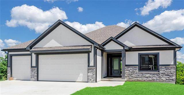 219 SW Eagles Ridge Drive, Blue Springs, MO 64014 (#2247656) :: Dani Beyer Real Estate
