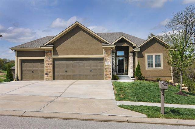 713 SE Bluebird Street, Blue Springs, MO 64014 (#2247660) :: Edie Waters Network