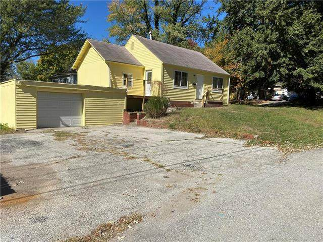 2700 S Norwood Avenue, Independence, MO 64052 (#2247685) :: Edie Waters Network