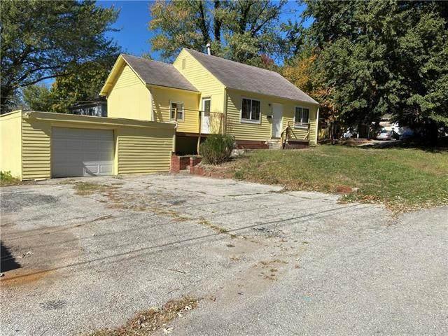 2700 S Norwood Avenue, Independence, MO 64052 (#2247685) :: Dani Beyer Real Estate