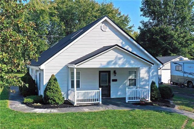 512 SW 7th Terrace, Concordia, MO 64020 (#2247725) :: Five-Star Homes