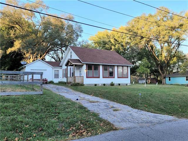 13006 E Silver Lane, Independence, MO 64050 (#2247738) :: Dani Beyer Real Estate