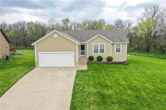 708 W 3rd Terrace, Wellsville, KS 66092 (#2247760) :: Ask Cathy Marketing Group, LLC