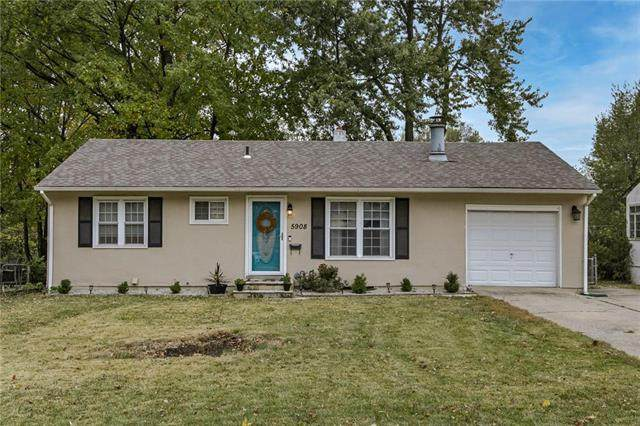5908 N Howard Avenue, Gladstone, MO 64118 (#2247768) :: Beginnings KC Team