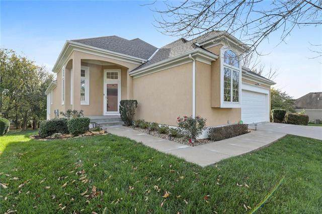 13317 Summit Street, Kansas City, MO 64145 (#2247900) :: Ask Cathy Marketing Group, LLC
