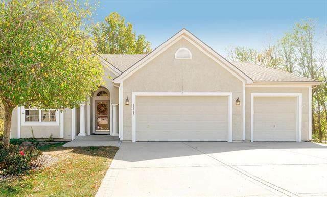 10727 N Laurel Avenue, Kansas City, MO 64157 (#2247942) :: Five-Star Homes