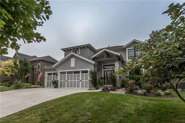 24957 W 98th Street, Lenexa, KS 66227 (#2248085) :: The Shannon Lyon Group - ReeceNichols