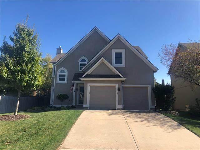 13217 Kessler Street, Overland Park, KS 66213 (#2248151) :: House of Couse Group