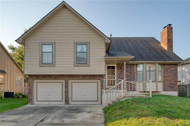 16805 E 51st Street Court, Independence, MO 64055 (#2248197) :: The Kedish Group at Keller Williams Realty
