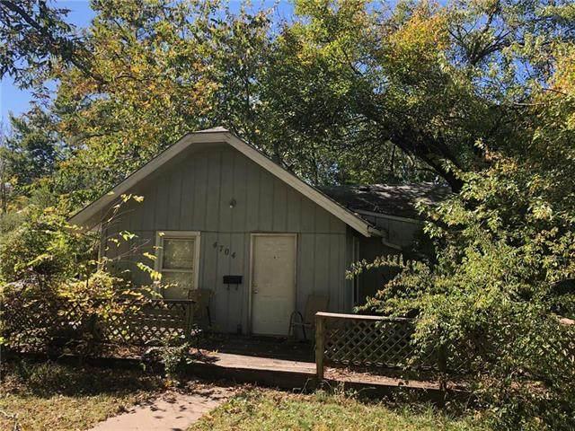 4704 Delmar Street, Roeland Park, KS 66205 (#2248245) :: Team Real Estate