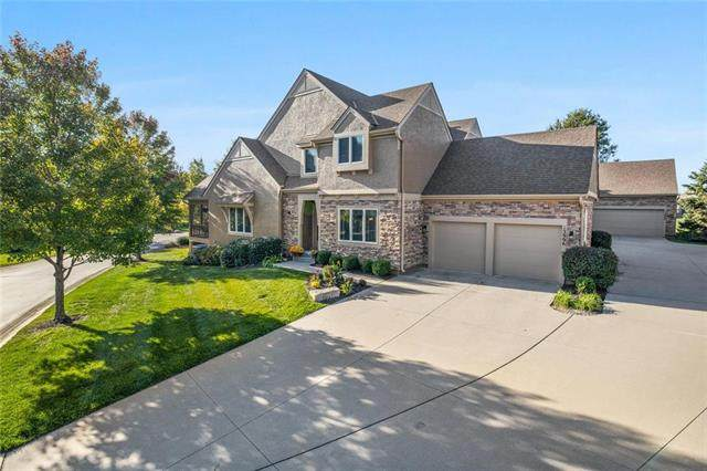 13996 S Summit Street, Olathe, KS 66062 (#2248284) :: Edie Waters Network