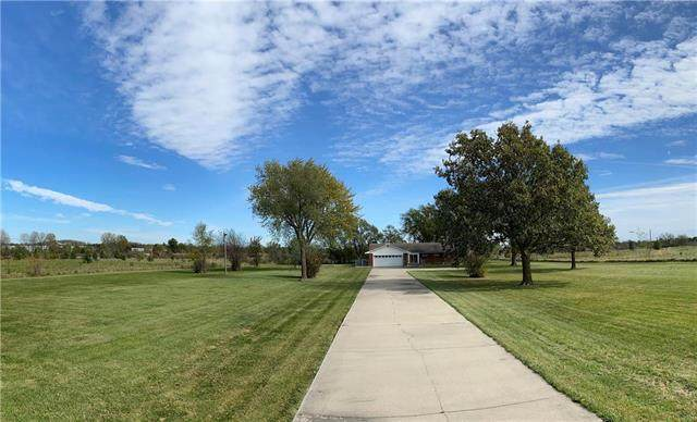 29005 S East Outer Road, Harrisonville, MO 64701 (#2248289) :: Ask Cathy Marketing Group, LLC
