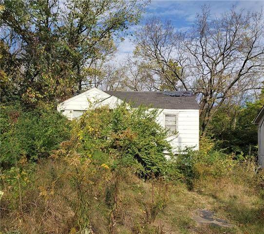 5220 NE Barnes Avenue, Kansas City, MO 64119 (#2248316) :: Dani Beyer Real Estate