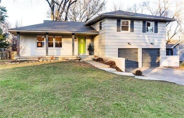 5710 W 84 Terrace, Overland Park, KS 66207 (#2248330) :: Edie Waters Network