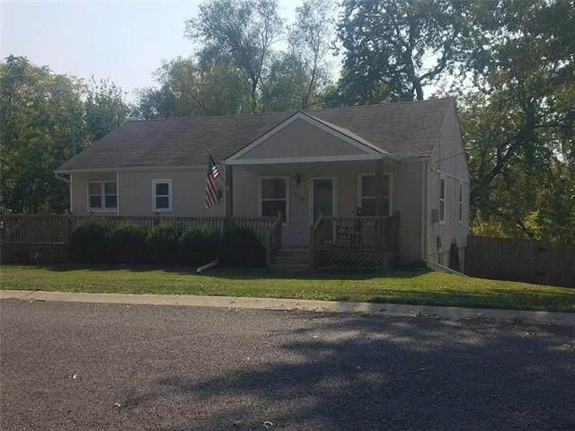 4728 Craig Lane, Overland Park, KS 66203 (#2248376) :: Five-Star Homes
