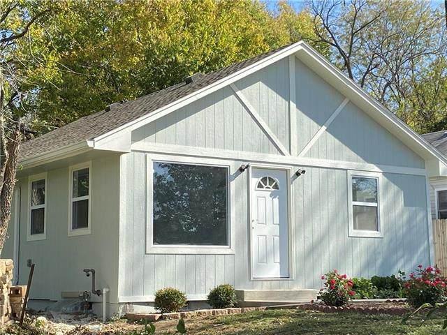 4307 Mersington Avenue, Kansas City, MO 64130 (#2248397) :: Austin Home Team