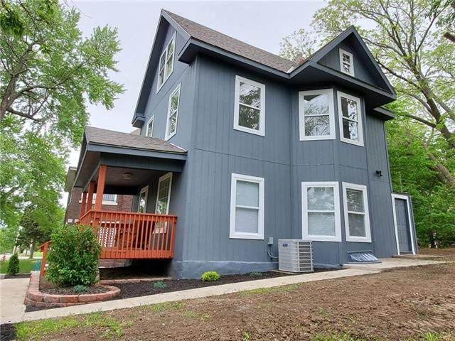712 N 9th Street, Kansas City, KS 66101 (#2248510) :: Dani Beyer Real Estate