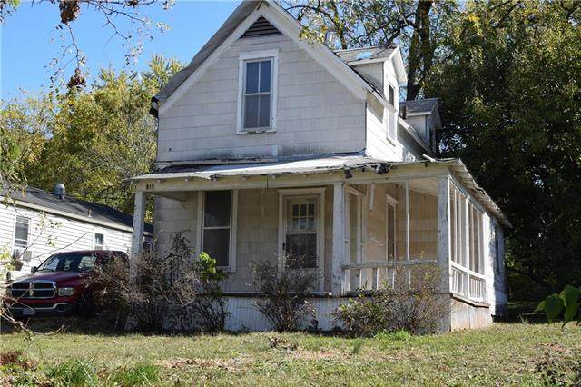 815 S Arlington Avenue, Independence, MO 64053 (#2248524) :: Edie Waters Network