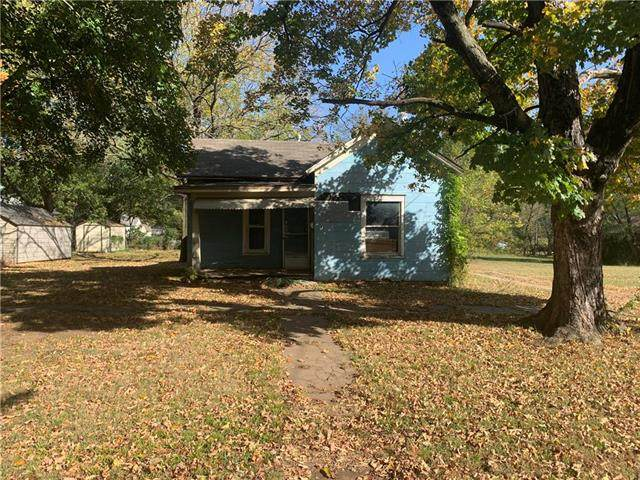 1223 E Oak Street, Fort Scott, KS 66701 (#2248530) :: Team Real Estate