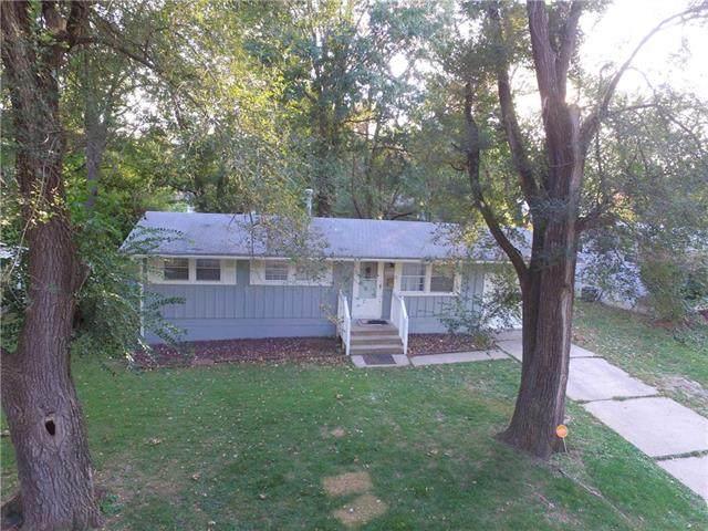 8511 E 93rd Street, Kansas City, MO 64138 (#2248567) :: Five-Star Homes