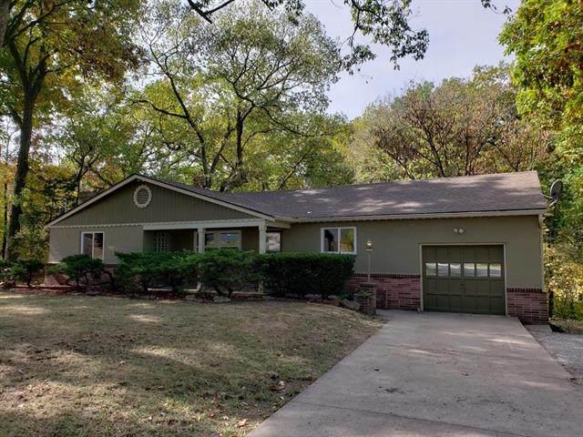 7724 N Mcgee Street, Kansas City, MO 64118 (#2248582) :: Ron Henderson & Associates