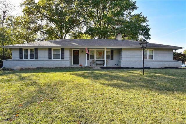 401 W 96th Terrace, Kansas City, MO 64114 (#2248600) :: Five-Star Homes