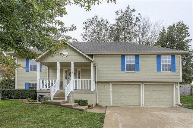 1304 Sycamore Street, Pleasant Hill, MO 64080 (#2248616) :: Beginnings KC Team