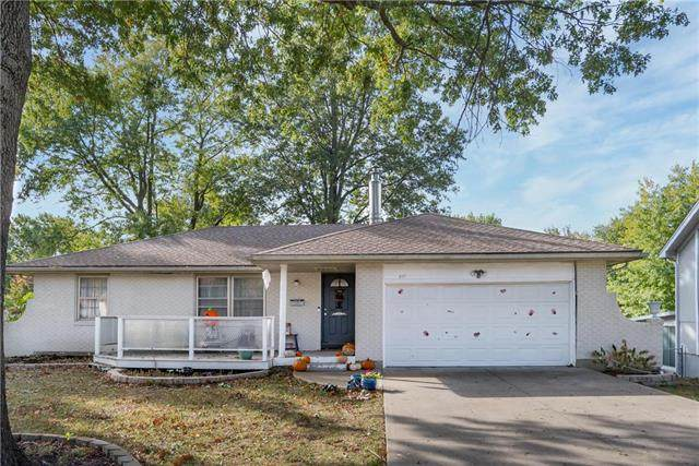 517 Stacey Drive, Belton, MO 64012 (#2248625) :: Austin Home Team