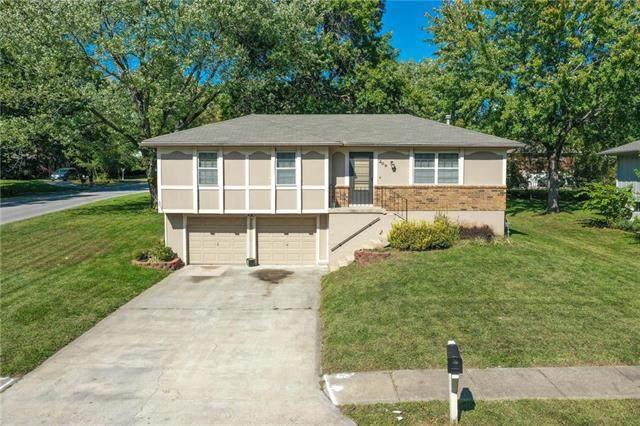 209 NE Summit Drive, Blue Springs, MO 64014 (#2248632) :: Ron Henderson & Associates